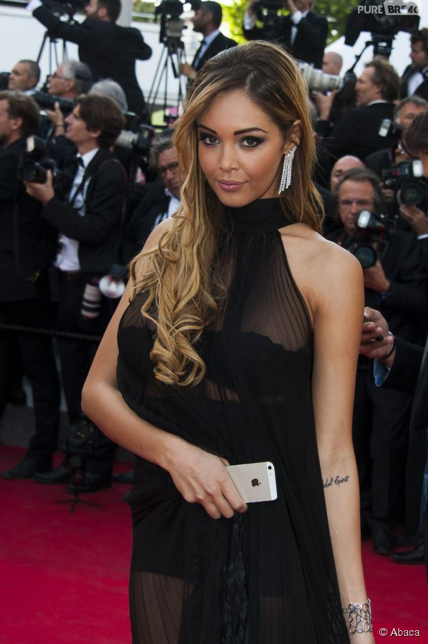 Nabilla Benattia sur le tapis rouge du festival de Cannes 2014