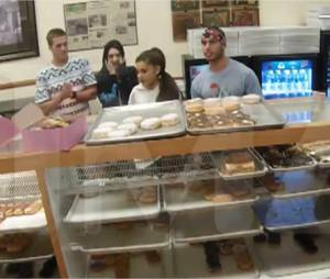 Ariana Grande : son attitude dérangeante dans un magasin de donuts