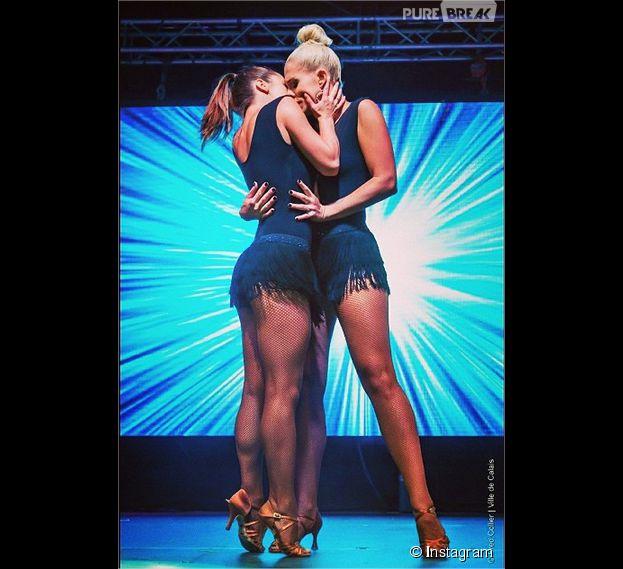 Denitsa Ikonomova et Katrina Patchett : un bisous sur scène lors de la tournée d'été de TF1