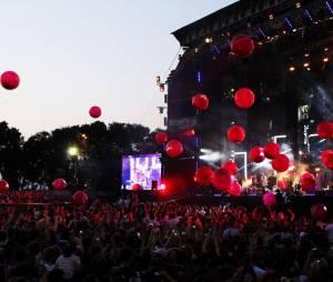 Lancé de ballons pendant le live d'Echosmith