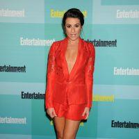 Lea Michele nue sous sa veste au Comic Con 2015 : un décolleté jusqu'au nombril !