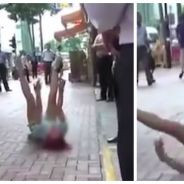 Vivant mal sa rupture, une jeune chinoise pète les plombs en pleine rue !