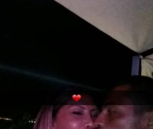 Les Marseillais en Thaïlande : Parisa et Julien s'embrassent encore sur Snapchat