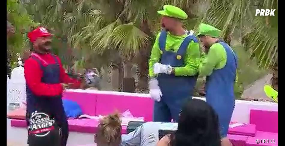 Kamel, Kevin et Benjamin (Les Vacances des Anges) déguisés en Mario et Luigi pour faire du kart