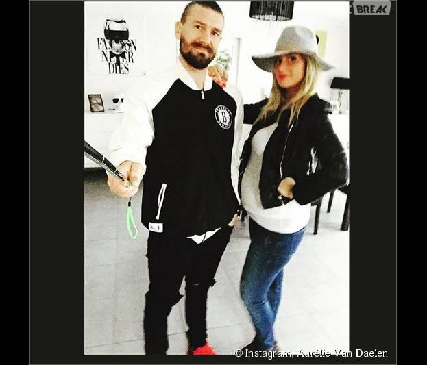 Aurélie Van Daelen enceinte : elle dévoile son ventre rond avec son chéri