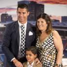 Cristiano Ronaldo honoré par le Real Madrid : son fils lui vole (presque) la vedette
