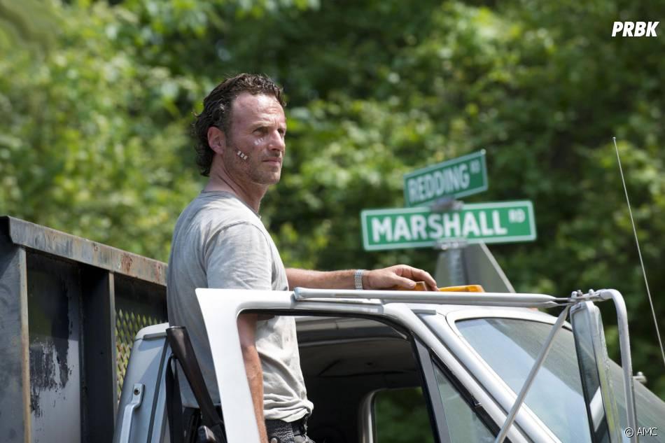 The Walking Dead saison 6 : Andrew Lincoln (Rick) sur une photo