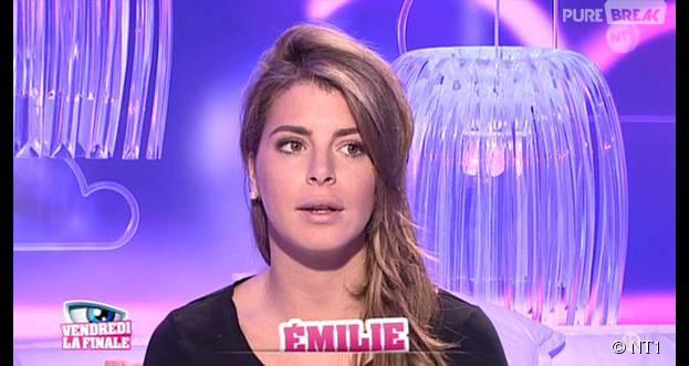 Emilie (Secret Story 9) blessée par Rémi dans la quotidienne du 11 novembre 2015 sur NT1