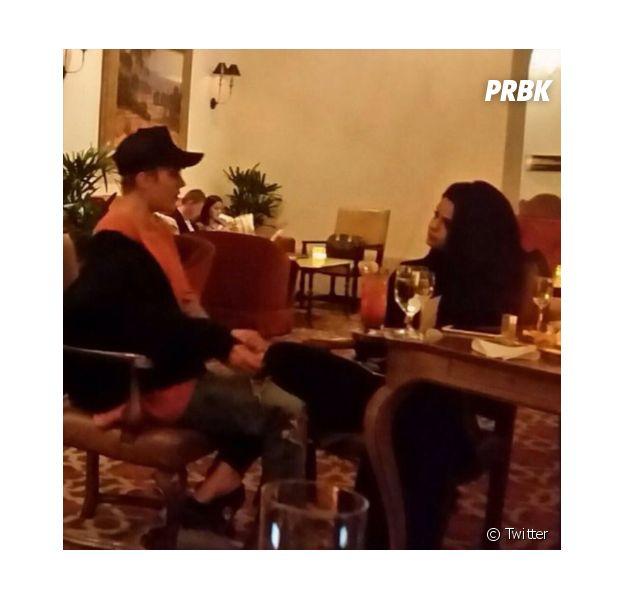 Justin Bieber et Selena Gomez en couple ? Rendez-vous à 2 dans un restaurant de Los Angeles, le 20 novembre 2015