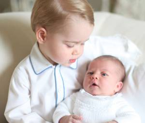 Charlotte de Cambridge et George : les premières photos officielles des enfants de Kate Middleton et William