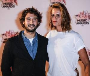Fréro Delavega : Florian Frérot en couple avec Laure Manaudou lors des NRJ Music Awards 2015, à Cannes, le novembre 2015