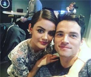 Lucy Hale et Ian Harding très proches sur une photo Instagram