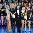 Emilie Nef Naf sur scène avec Adriana Karembeu à l'élection de Top Model Belgium le 24 janvier 2016