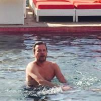 """Jean-Michel Maire : Massages, bisous volés et """"petit zizi"""", il se la coule douce à Marrakech"""