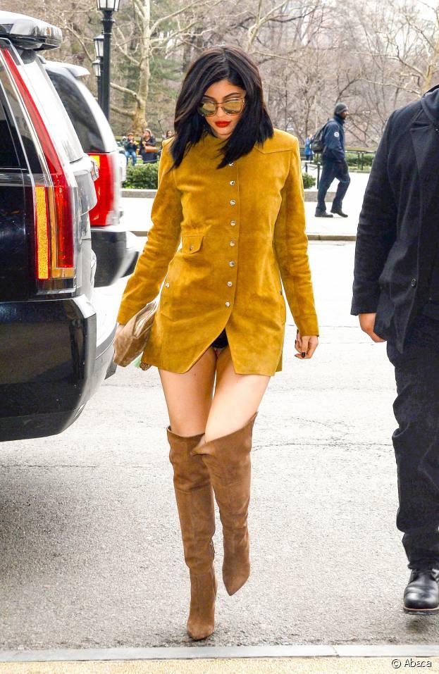 Kylie Jenner dévoile sa culotte dans les rues de New York le 9 février 2016