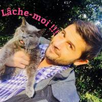Christophe Beaugrand : drôle de selfie avec son chat... pour la bonne cause