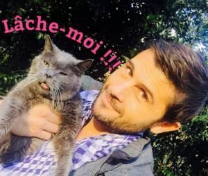 Christophe Beaugrand : selfie avec son chat pour la bonne cause