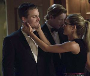 Arrow saison 2 : Felicity et Oliver en couple ?