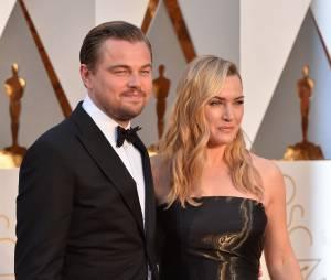 Leonardo DiCaprio et Kate Winslet sur le tapis rouge des Oscars le 28 février 2016