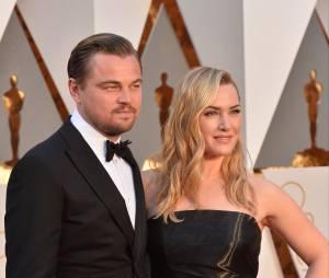 Leonardo DiCaprio et Kate Winslet rayonnants sur le tapis rouge des Oscars le 28 février 2016