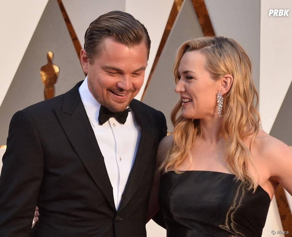 Leonardo DiCaprio et Kate Winslet complices sur le tapis rouge des Oscars le 28 février 2016