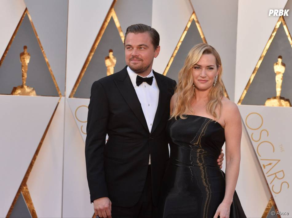 Leonardo DiCaprio et Kate Winslet prennent la pose sur le tapis rouge des Oscars le 28 février 2016
