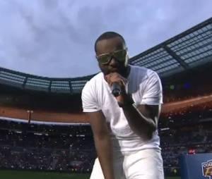 Maitre Gims hué et sifflé au stade de France pour la finale de la coupe de la ligue le 23 avril 2016