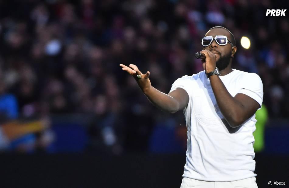 Maitre Gims sifflé lors de PSG - Lille le 23 avril 2016 au stade de France pour la finale de la coupe de la ligue