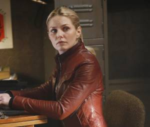 Once Upon a Time saison 5, épisode 22 : Emma (Jennifer Morrison) sur une photo