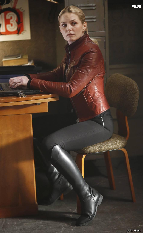 Once Upon a Time saison 5, épisode 22 : Emma (Jennifer Morrison) sur une photo