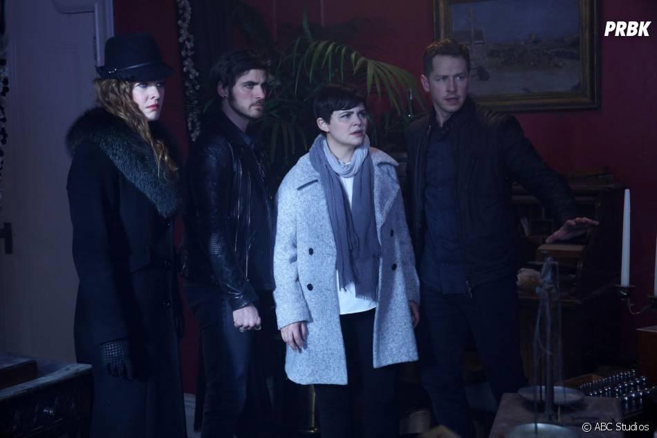 Once Upon a Time saison 5, épisode 23 : Zelena, Hook, Snow et Charming sur une photo