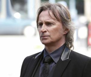 Once Upon a Time saison 5, épisode 23 : Rumple (Robert Carlyle) sur une photo