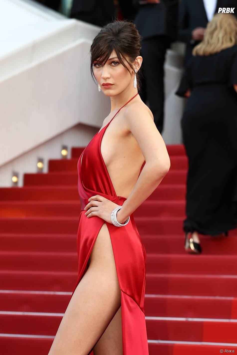 Bella Hadid prend la pose sur le tapis rouge du Festival de Cannes le 18 mai 2016