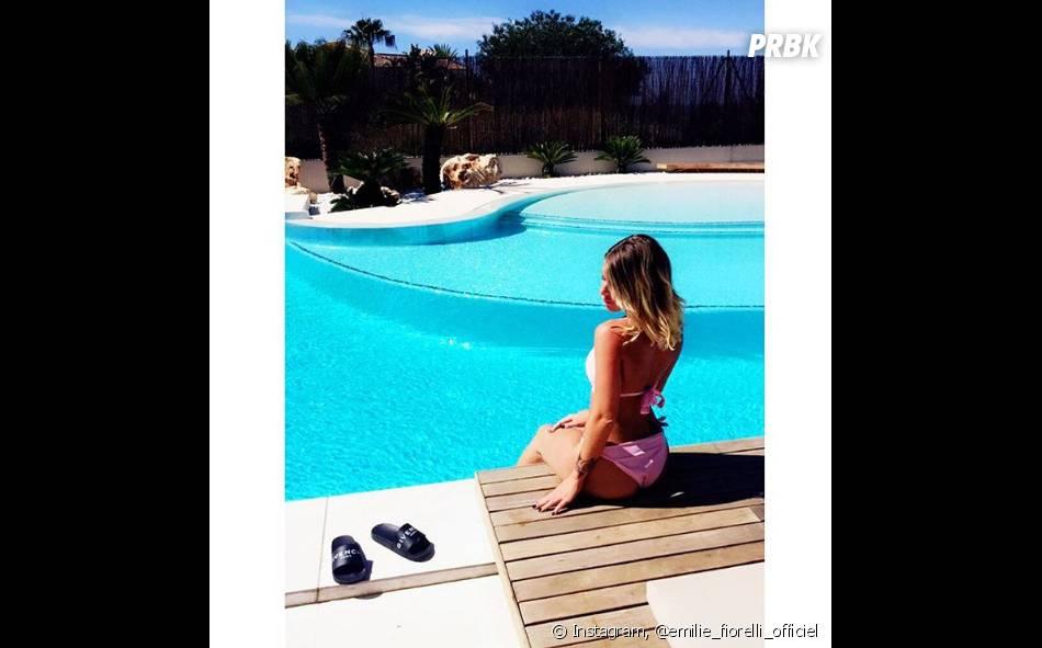 Emilie Fiorelli : sexy en bikini sur Instagram
