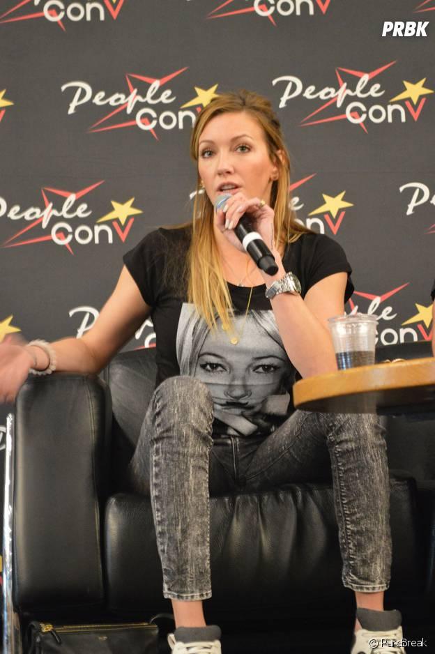 Katie Cassidy à la convention Super Heroes Con 2 le 11 juin 2016