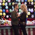 The Vampire Diaries saison 8, épisode 5 : Stefan (Paul Wesley) et Caroline (Candice Accola) sur une photo