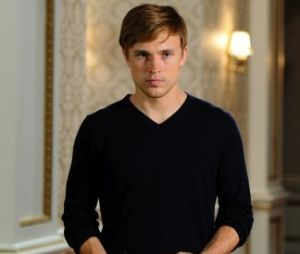 William Moseley (Peter Pevensie dans Le monde de Narnia) est maintenant le prince Liam dans la série The Royals.