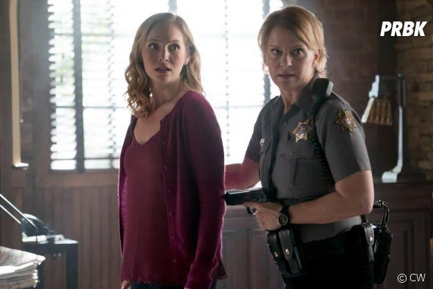The Vampire Diaries saison 8 : Elizabeth Forbes de retour sur une photo de l'épisode 10