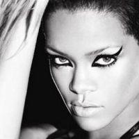 Rihanna ... elle parle toujours à Chris Brown !