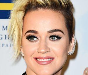 Katy Perry change de look : Kim Kardashian et Kylie Jenner valident sa nouvelle coiffure !