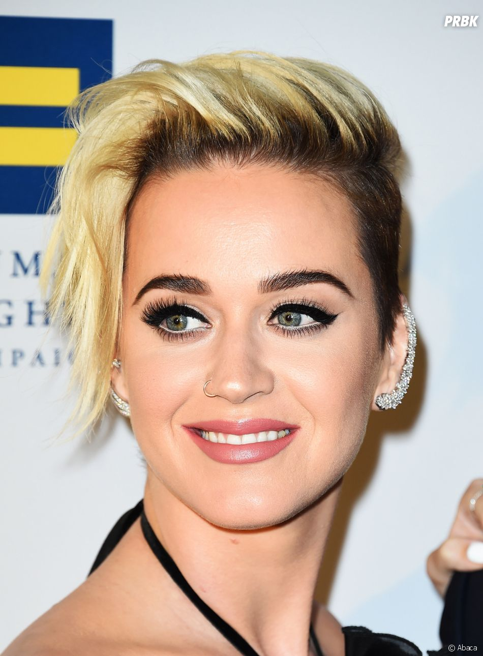 coiffure katy perry. Black Bedroom Furniture Sets. Home Design Ideas
