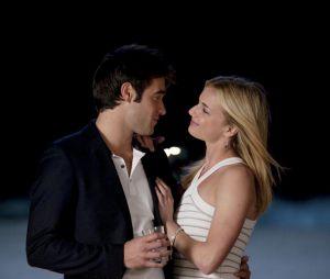 Emily VanCamp et Josh Bowman de Revenge sont fiancés