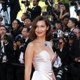 Bella Hadid sublime au Festival de Cannes le 17 mai 2017
