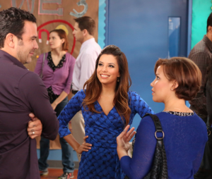 Eva Longoria retrouve Ricardo Chavira dans Welcome to the Family en 2013