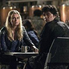 The 100 saison 5 : Clarke et Bellamy enfin en couple ? La réponse du créateur
