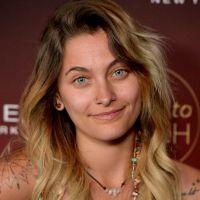 Paris Jackson sans maquillage et poilue sur un red carpet : elle joue la carte 100% naturelle