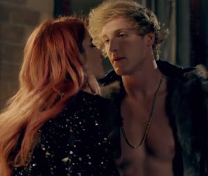 "Logan Paul face à une version zombie de Bella Thorne dans son clip ""Outta My Hair"""