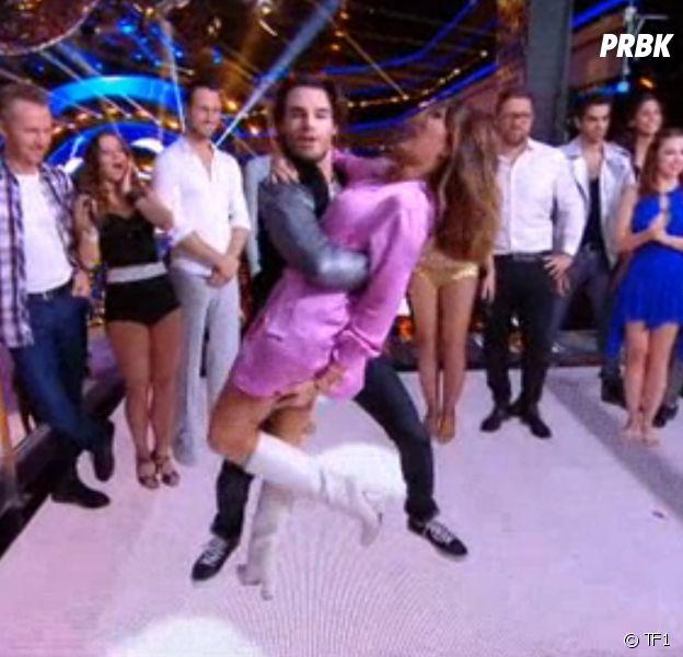 Karine Ferri (Danse avec les stars 8) en robe courte : petit accident de culotte pour l'animatrice