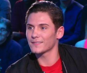 Secret Story 11 : Christophe Beaugrand piégé dans le Debrief par Bryan, Julien Geloën et Adrien Lemaître !