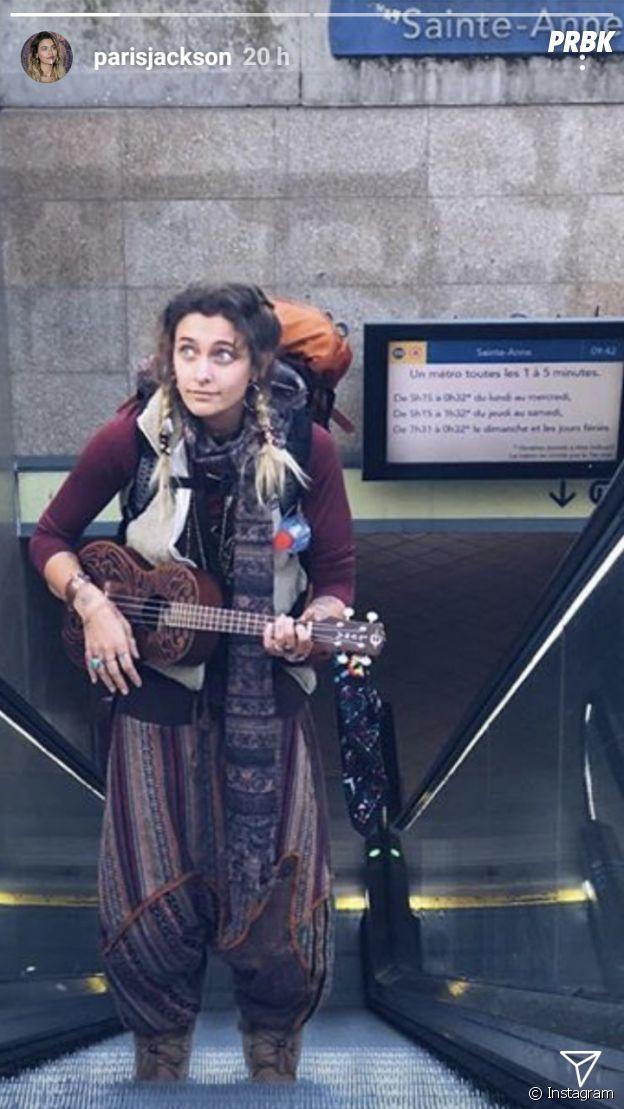 Paris Jackson incognito dans le métro à Rennes